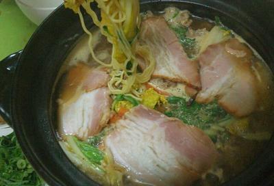 神座風ラーメン鍋と麺食いのリダ