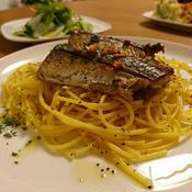 こんがり秋刀魚とサフランのスパゲティー