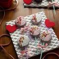 苺とホワイトチョコのオレオポップ♪
