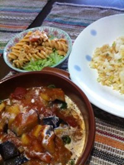 ハイジの黒パンとピーマンの肉詰めいりラタトゥイユ