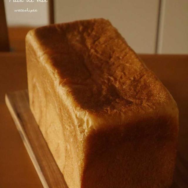 コムシノワのパンドミ 1.5斤。粉の不思議。