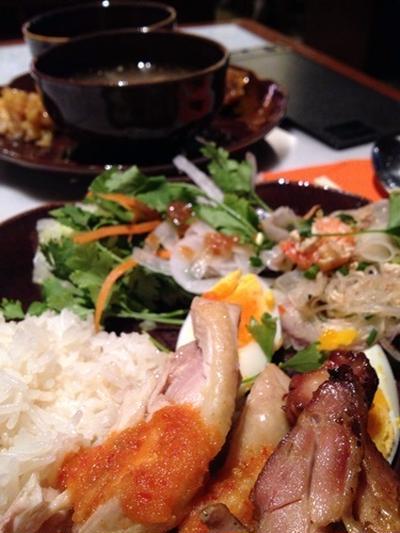 【大阪】パクチー食べ放題!高級タイ料理のランチビュッフェ ...