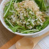 簡単ヘルシー玄米の栄養たっぷり!鰹風味でやさしい和風〜大根とセロリのグレインズサラダ。