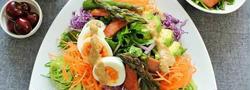 簡単・華やか・野菜たっぷり♪今夏は、サラダ仕立ての冷し中華☆
