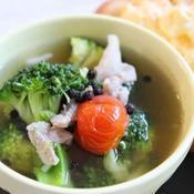 豚コマとブロッコリーとミニトマトのスープ