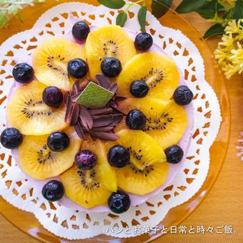 レシピはございませんが、ブルーベリーヨーグルトムースケーキでございます。と、過去の遺産。