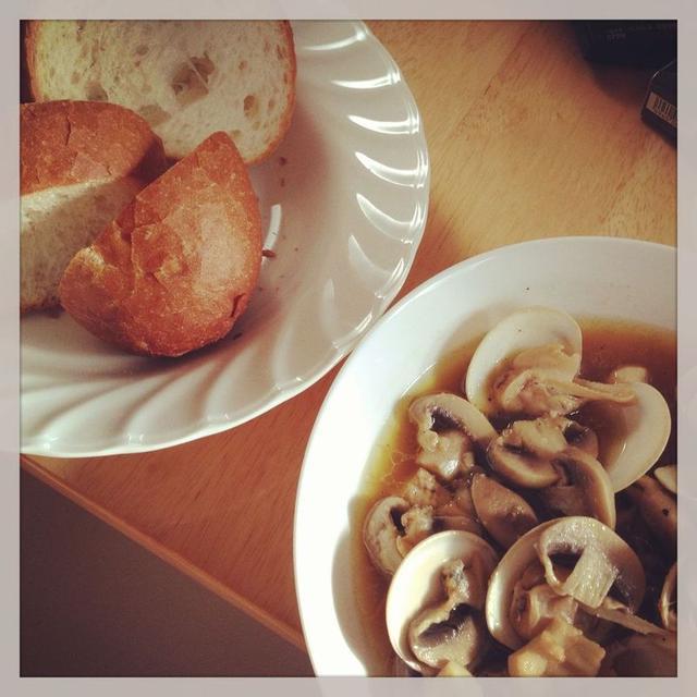 蛤とマッシュルームの和風アヒージョ