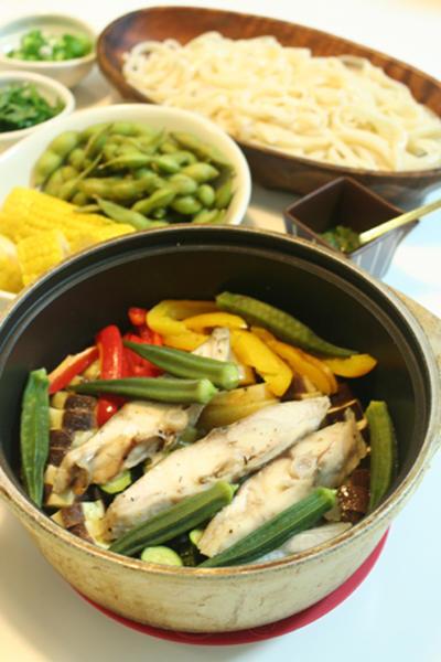 新鮮野菜のオイル蒸しでヘルシーうちごはん