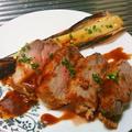豚肉のカツレツ ソース・リヨネーズとカルロッソ
