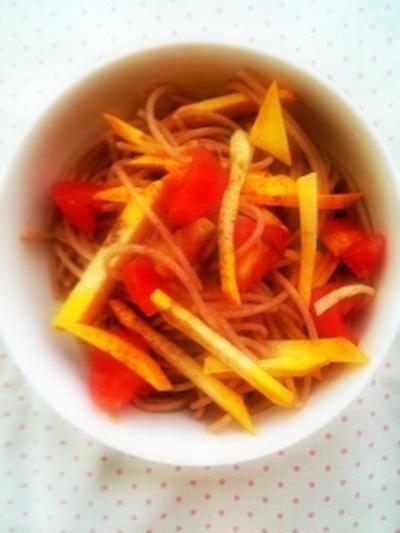 フレッシュズッキーニとトマトの冷製パスタ