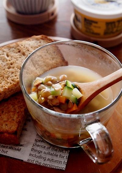 芳ばし胚芽角食とレンズ豆のスープ・・にゃ♪