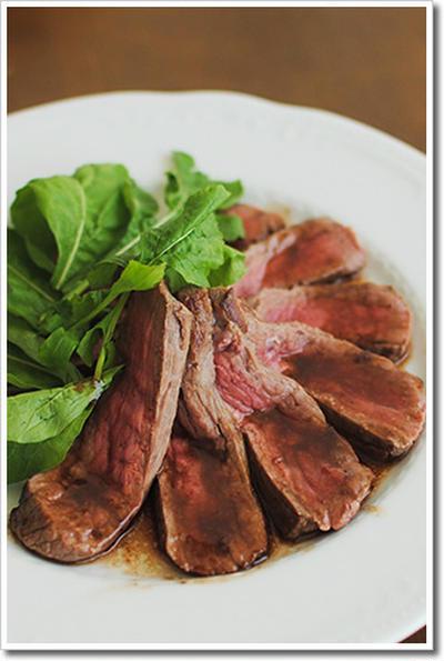 牛モモ肉を使ったタリアータ