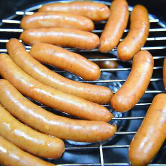 ダッチオーブンでソーセージ熱燻製