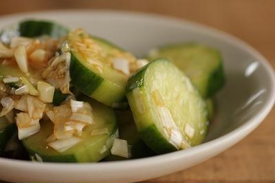 簡単・副菜♪きゅうりの中華風ネギ和え
