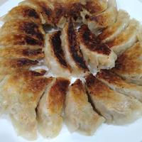 米油で焼いたらめちゃめちゃカリカリ♥野菜たっぷり餃子