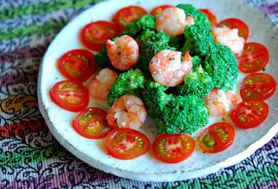 海老とブロッコリーのヘルシーヨーグルトサラダ。