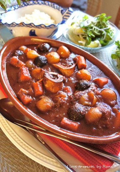 オーストブッコとペコロスの赤ワイン煮込