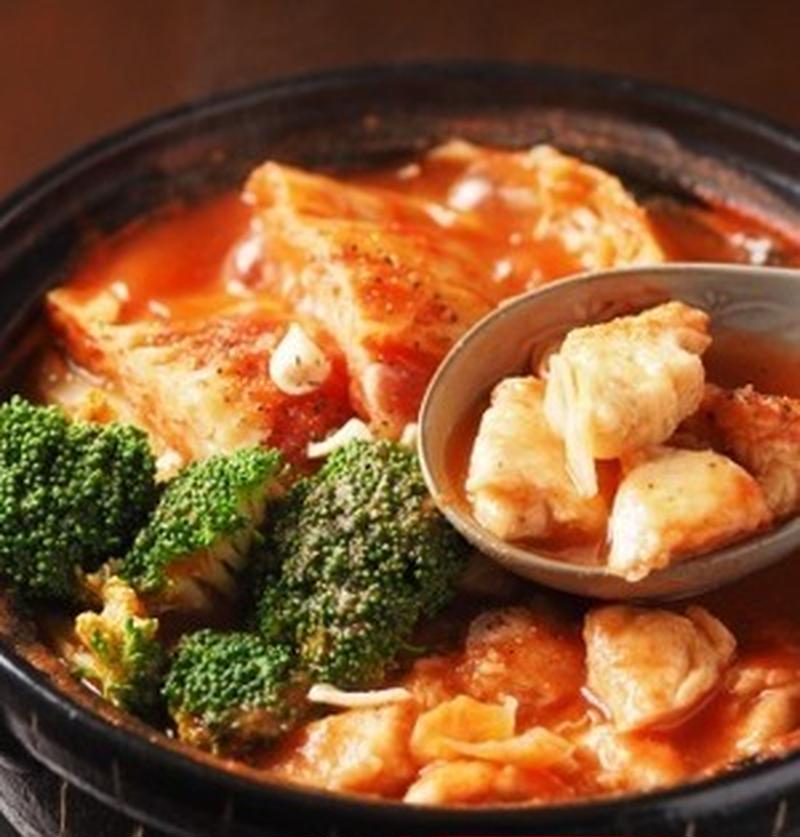 キャベツがたっぷり食べられる!絶品トマト鍋レシピ