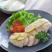 鶏胸肉のボイル 〜 ミント風味のソース添え