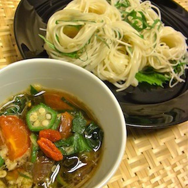 ソーメンの薬膳スープつけ麺