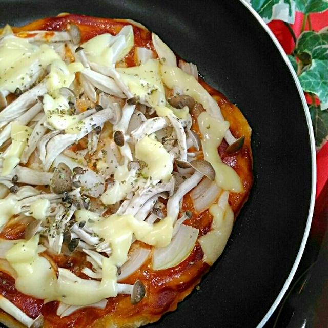 フライパンで簡単☆きのこピザ《オリーブジュース100%バージンオイル・バロックス》