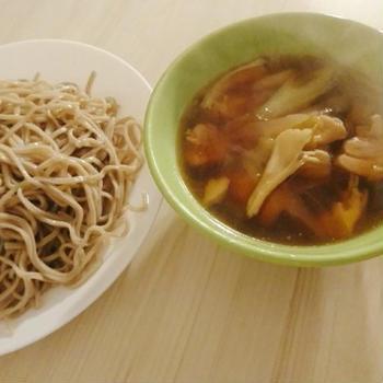 鴨せいろならぬ鶏せいろ、関西風!?鰻、冬瓜の煮物。