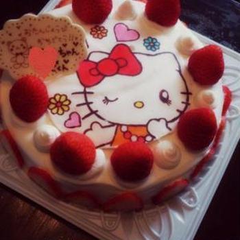 しつこくキャラケーキ(^O^)キティちゃん