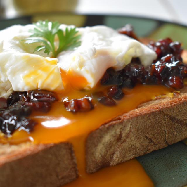 【レシピ】大人限定・トーストに塗る新定番『ベーコンジャム』の深みに感動!