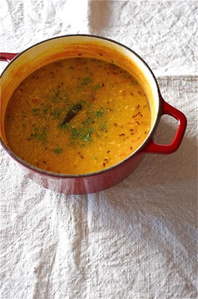 気軽に作れる菜食者カレー、赤レンズ豆のカレー。