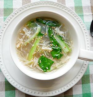 お湯を注ぐだけ~♪ホタテ缶と青梗菜の即席春雨スープ