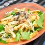三つ葉とカリカリ油揚げのサラダ。ドレッシングは白だしベースで簡単さっぱりおつまみ。