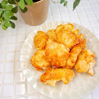 鶏むね肉で!食べ応えあり♩「スイートチリフリッター」