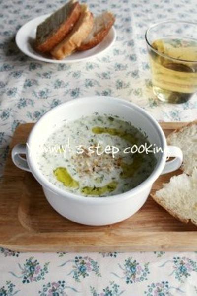 暑~い日に!さっぱりすっきり♪ブルガリアのきゅうりとヨーグルトの冷たいスープ、タラトル
