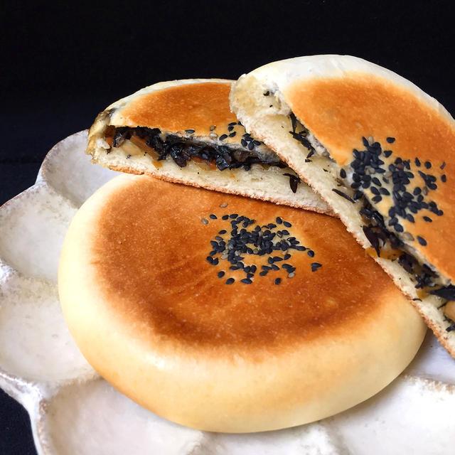 5. ひじき煮入りの平焼きパン