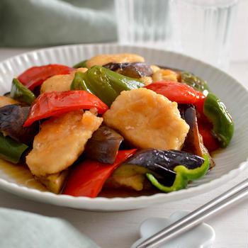 鶏むね肉とナスの南蛮漬け。めんつゆで簡単おかず!ごま油香る♪【農家のレシピ帳】