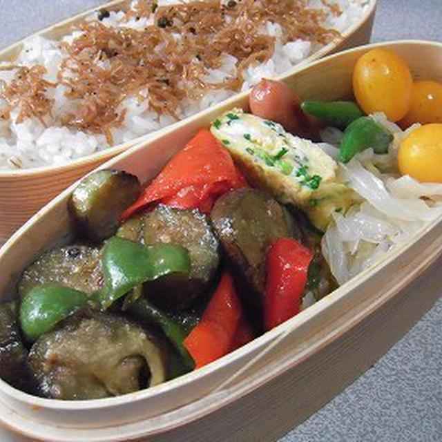 豚肉と茄子の味噌炒め弁当。野菜炒めラーメン