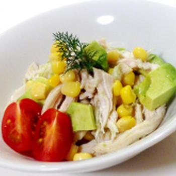 レシピ☆ホワイトペッパーが大人味!【鶏胸肉とアボカドのサラダ】