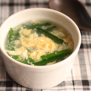 食欲をそそる♪シャキっとおいしい「ニラのスープ」