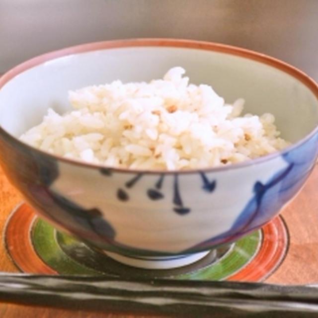 【始めちょろちょろ中ぱっぱ赤子泣くとも蓋取るな】炊飯鍋でご飯炊き