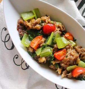 ぷりぷり豚肉と青梗菜のオイル蒸し