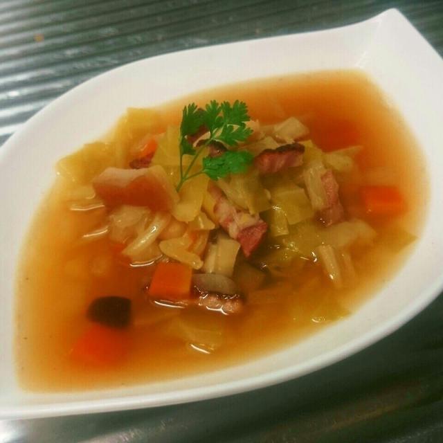 先人の知恵が詰まった料理!材料は無駄にしない精神。本格的なスープ!今日はガルビュール
