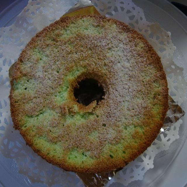 シンガポールのお菓子、パンダン・ケーキが焼けましたよ(^^♪