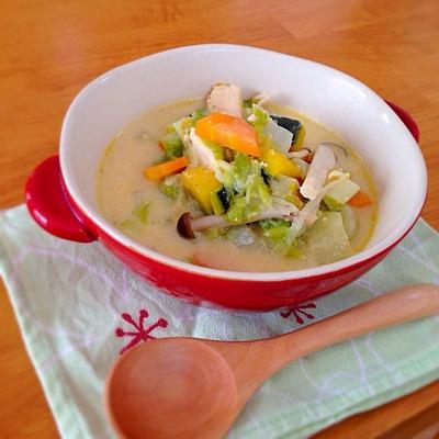 隠し味は柚子胡椒♡ルー不使用♡かぼちゃと白菜の豆乳和風シチュー