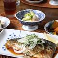 鯖のしょうが焼き と ズッキーニとムキエビのマリネ。