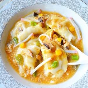 一品でおなかも満たされる♪ボリューム抜群「餃子入りスープ」