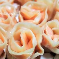 ピンクの薔薇餃子♪ パーティーを華やかに!  チョッパーを使って簡単らくらくです!  &未明のギャ~な出来事💦