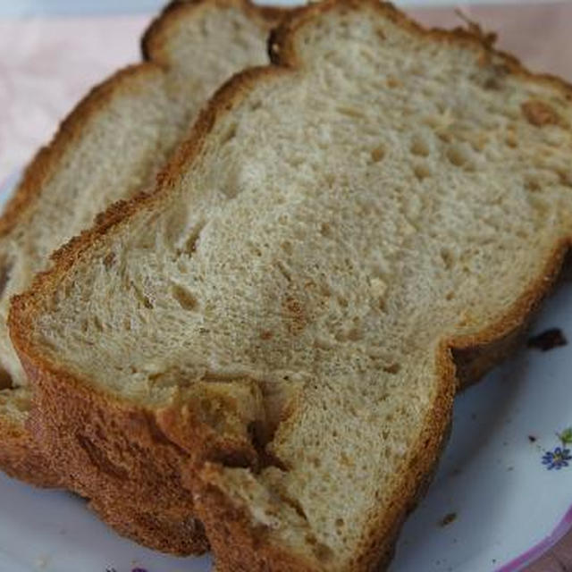 こんがりメープル食パン