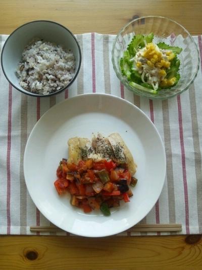 鶏肉のソテー~ラタトゥイユソース~とゴーヤとコーンのツナマヨサラダ。