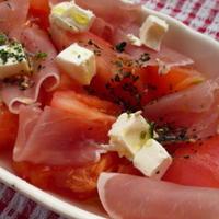 『混ぜ込みトマトマリネサラダ』