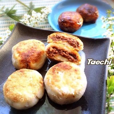 肉味噌入り里芋餅と鉄火巻き練習(笑)